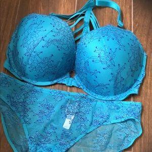Victoria's Secret Bra & Panty Set